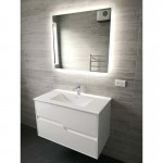 LED Mirror with demister 900x750mm
